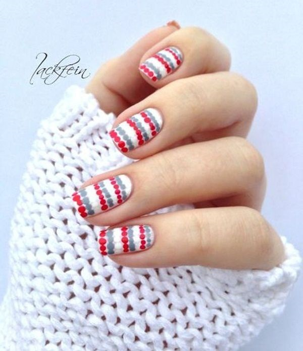 Simple Yet Very Cute Short Winter Nail Art Design Bine Clear Polish With Blue Green