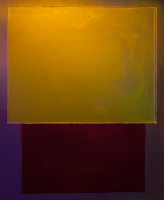 Sampo Malin: Syvä sininen, kelluva keltainen, valokuvadokumentaatio, 100x122cm, 2018