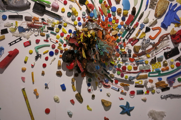 Veikko Björk: Muoviroskaspiraali