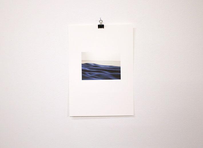 Aleksi Martikainen: Päiväpeitto gallerian lattialla
