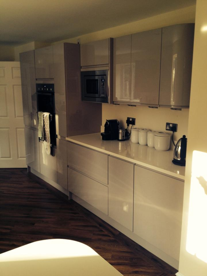 Gloss Cashmere Handle Less Fitted Kitchen The Gallery