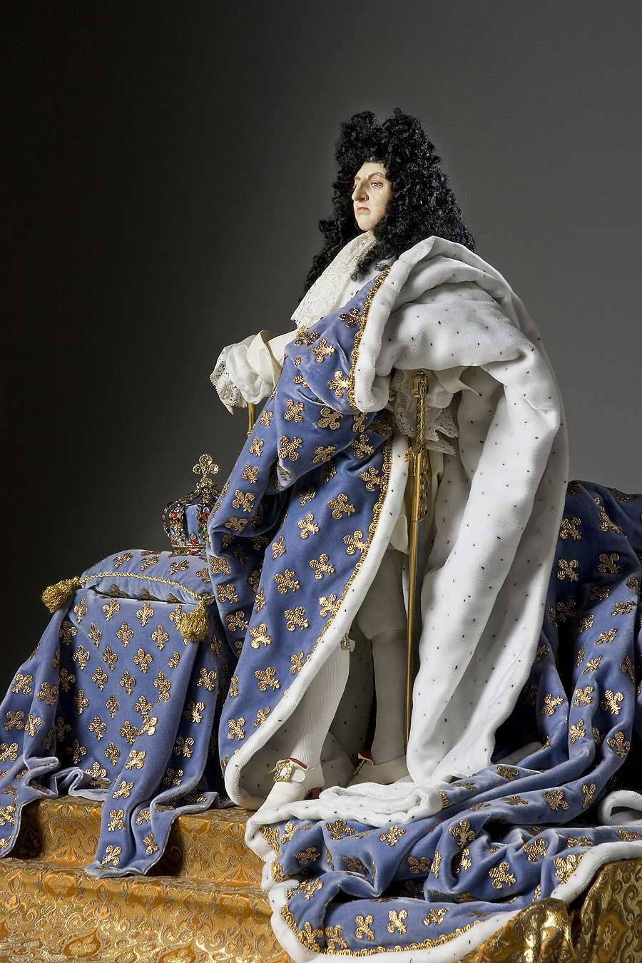 Louis XIV – robes of state | Life at court was a series of spectacles and ceremonies with Louis as the focus.
