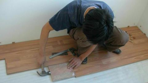 Cara Memasang Lantai Kayu Laminate