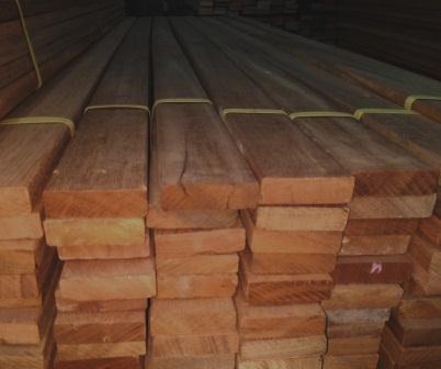 lantai kayu outdoor decking bengkirai yogyakarta