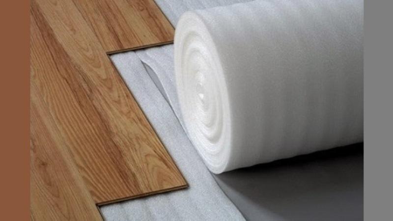 Polyfoam untuk memasang lantai kayu