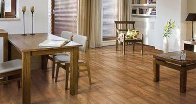 cara membersihkan Merawat Lantai kayu parket