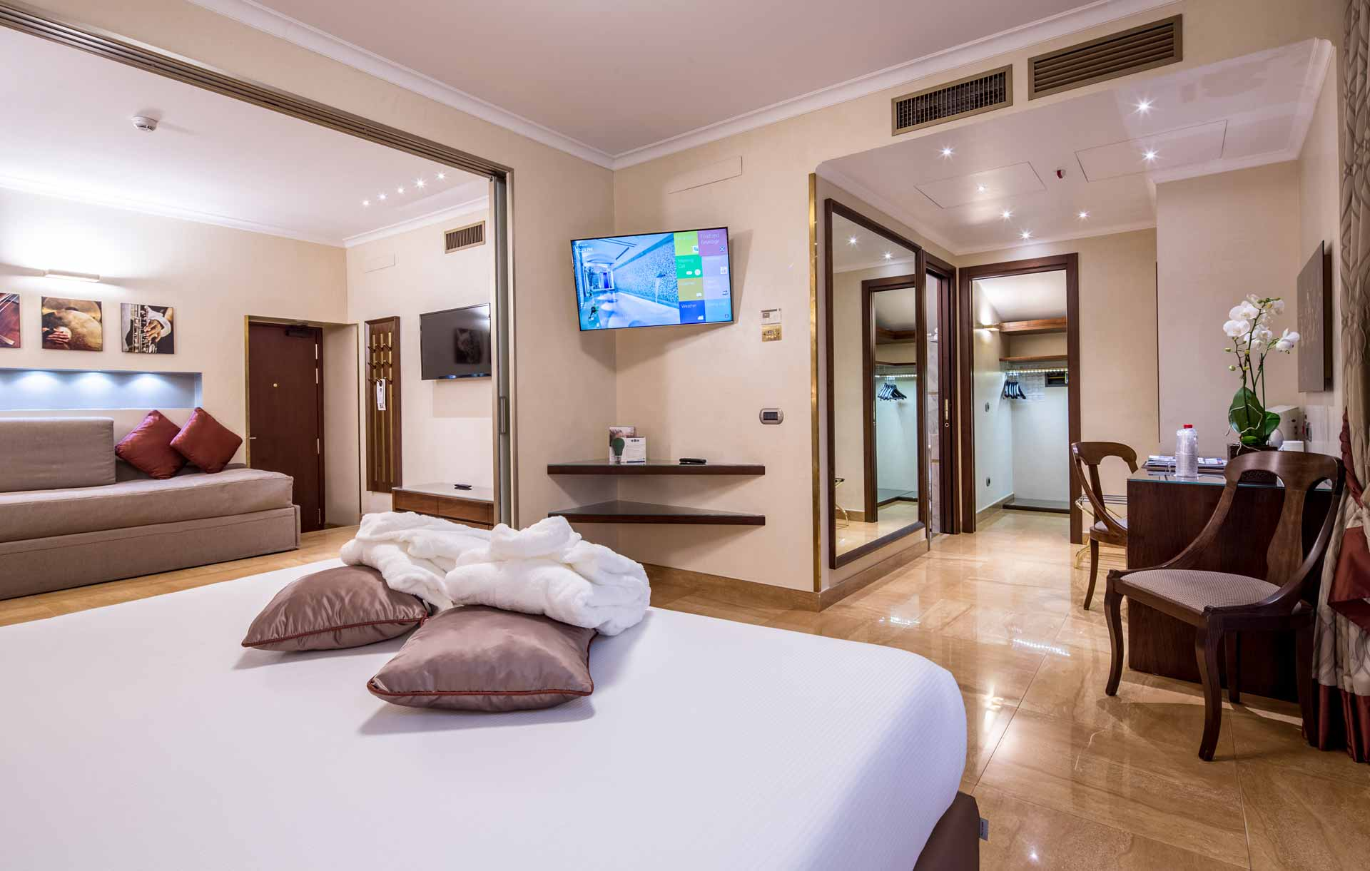 Hotel with Suites in Milan  Enjoy our Luxury Suites in the Center of Milan