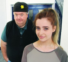 Holly Earl et Ian McNeice