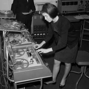 television-dossier-history-partie1-in-the-beginning-illustration-delia-derbyshire