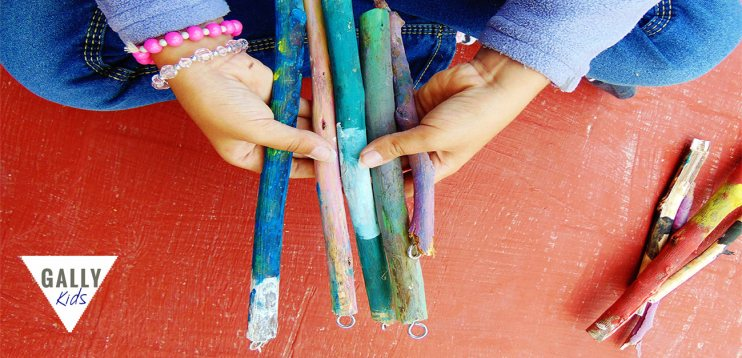 This is a very simple craft project but one that kids can easily do. Fun summer craft @gallykids