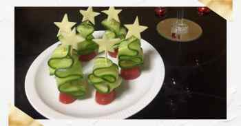 Χριστουγεννιάτικα δεντράκια από αγγουράκια
