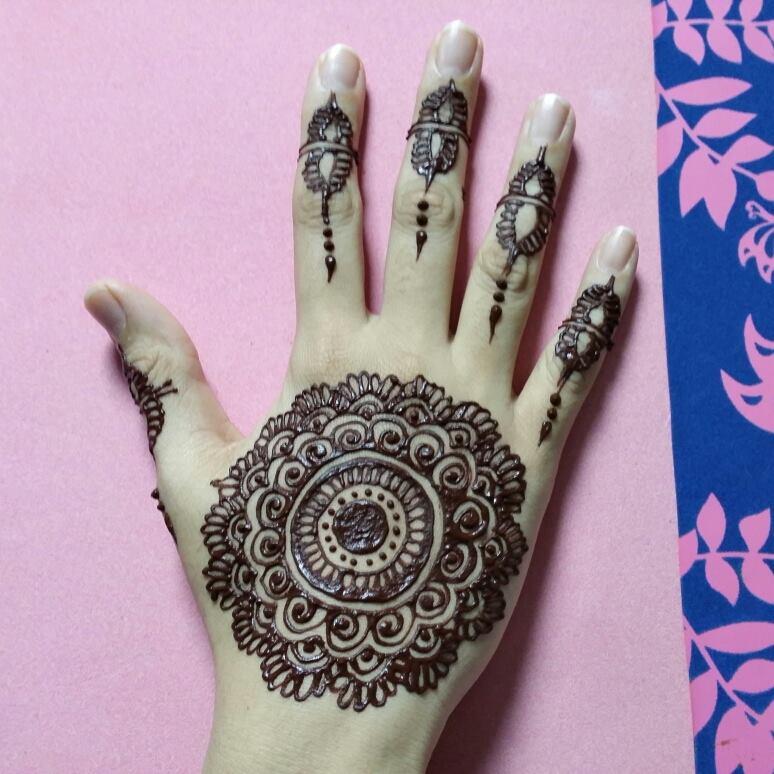 Latest New Stylish Arabic Mehndi Design