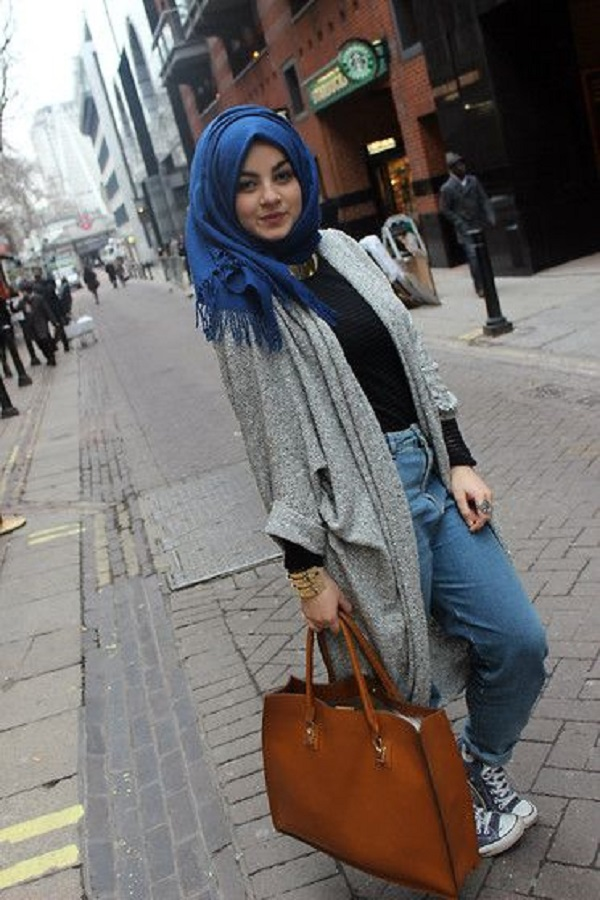 Latest Women Casual Hijab Styles with Jeans Trends 2019  Galstylescom