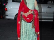 anushka-sharma-in-mughalai-dress-1