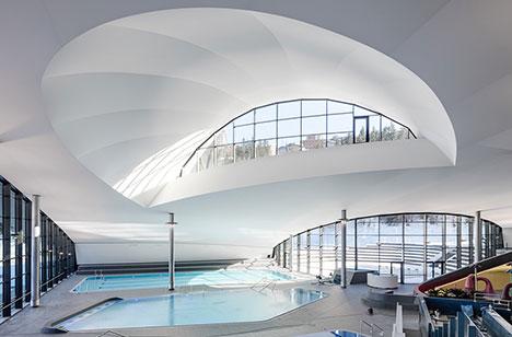 courchevel-aquatic-centre-inside-landscape