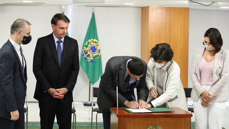 Bolsonaro dá posse ao Secretário Nacional de Justiça, Cláudio de Castro Panoeiro