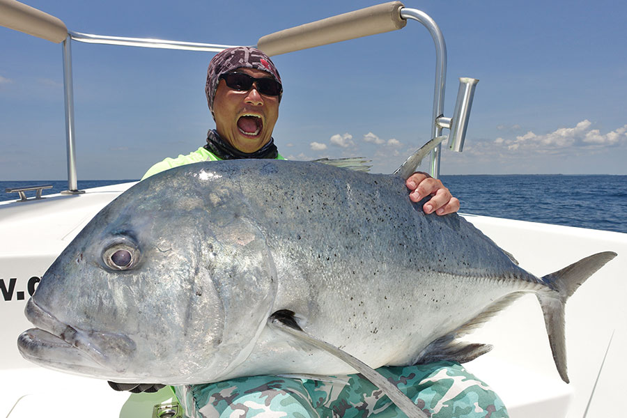 7_giant-trevally_popping_andamans_fishing_carpenter-rods_shimano-stella-reels_kokari-lures_koh-guan-chu