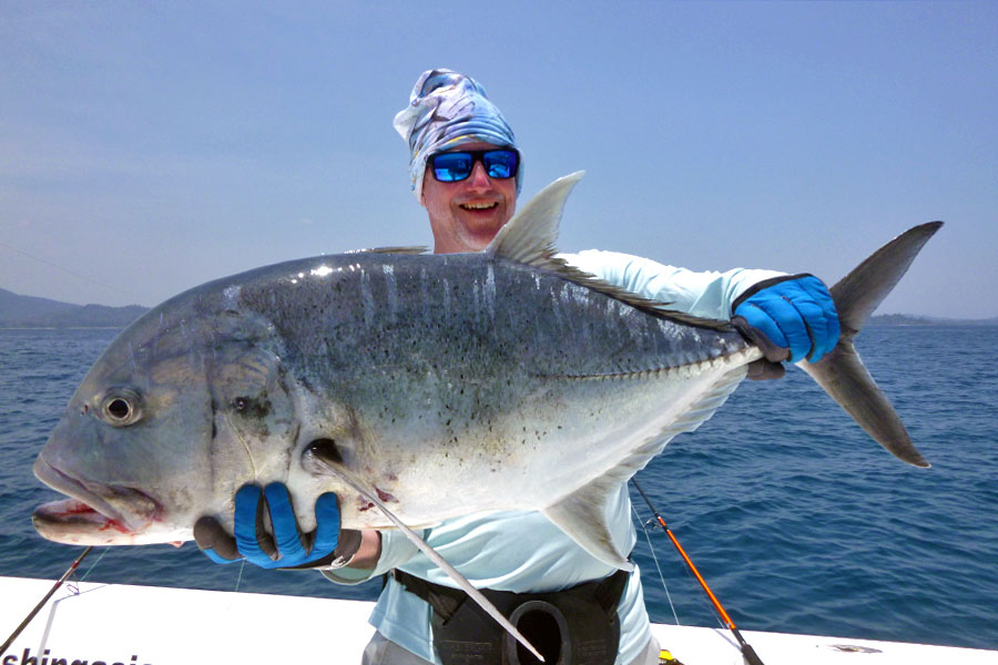 giant-trevally_popping_andaman_hanta-79-8-rod_shimano-stella-18000-reel_patriot-lure_christopher