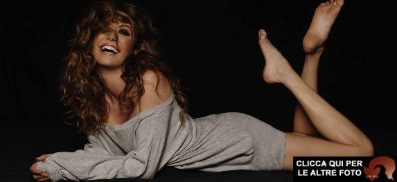 Tessa Gelisio da Pianeta Mare a Cotto e Mangiato: il suo calendario di nudo