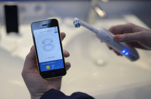 Oral-B-Interactive-Electric-Toothbrush-01