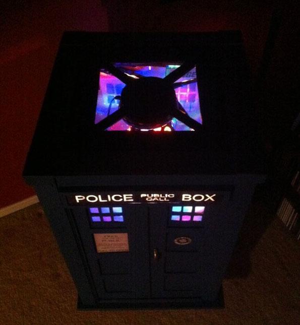 TARDIS-jukebox-3
