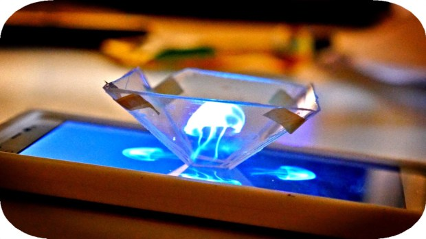 This Is How You Turn a Smartphone Into a 3D Hologram Projector Using a CD Jewel Case