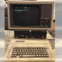 Someone Found a 30-Year-Old Apple Mac Computer (And It Still Works and Play Games)