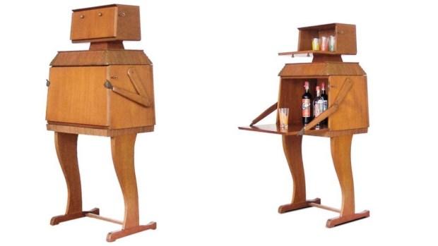 Wooden Robot Bar