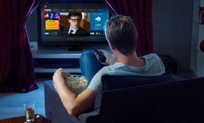 watching-tv-netflix