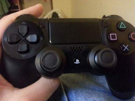 Dualshock 4 Controller Analogue Sticks Wearing Out Issue Image 1