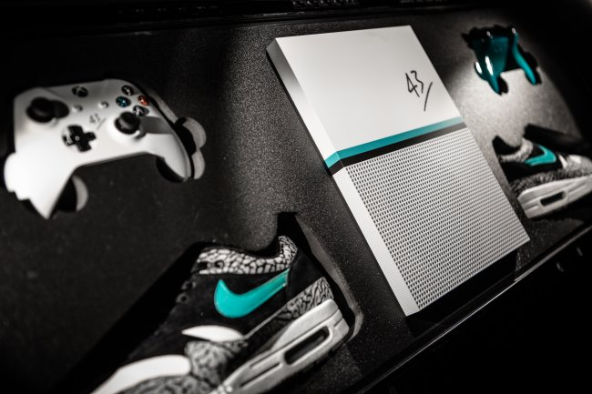 Check Out This Limited Edition Xbox One S And Nike Combo