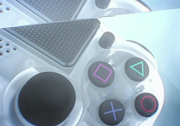 Limited-Edition-Crystal-DUALSHOCK-4-Coming-Soon-gamersrd.com