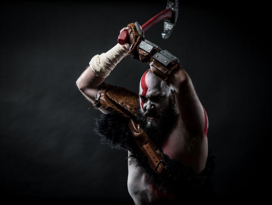 troy-schram-kratos-cosplay-god-of-war-photo-damon-wilson-hart-5-gamersrdtroy-schram-kratos-cosplay-god-of-war-photo-damon-wilson-hart-5-gamersrd