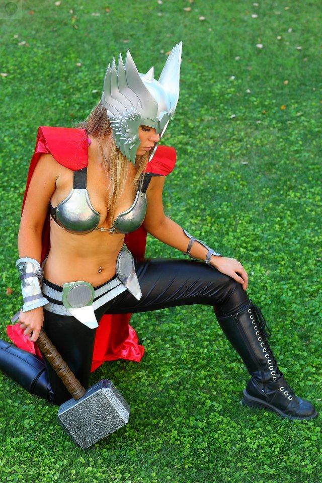 303386_224528151001165_514509375_n Cosplay - Lady Thor #25