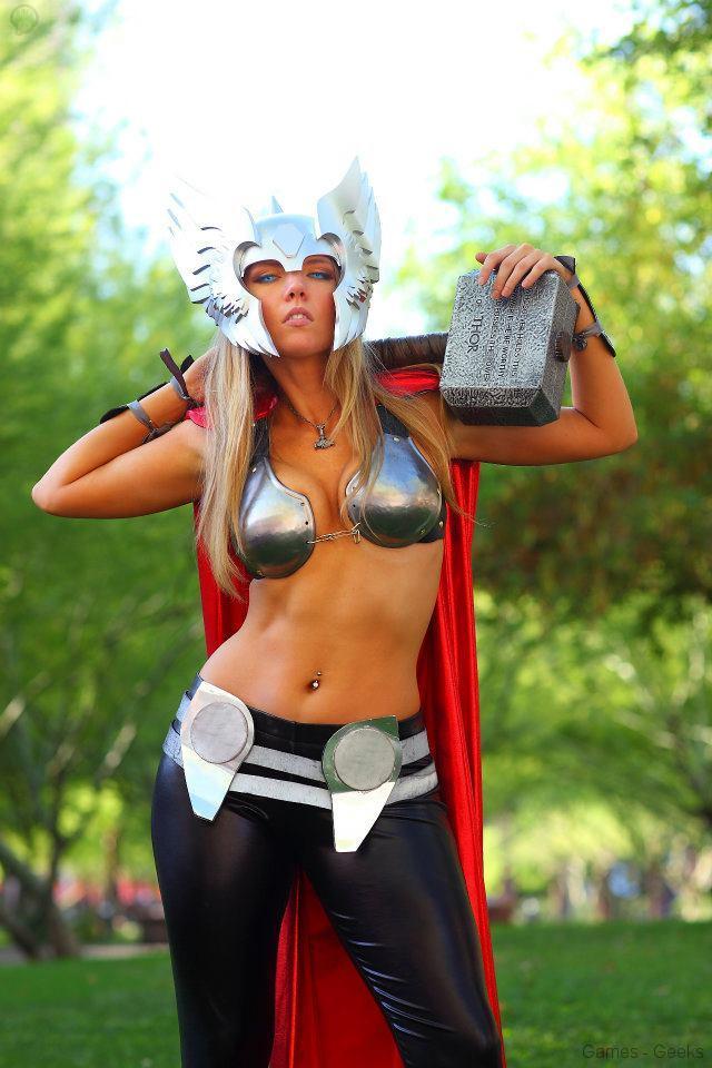 562192_224532127667434_348954486_n Cosplay - Lady Thor #25