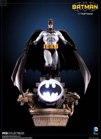Batman-Wall-Statue BATMAN MODERN AGE 1/7 WALL STATUE - POP CULTURE SHOCK