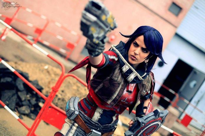 athena_the_gladiator_from_borderlandspresequel_by_lilidin-d7rj9jg-1 Cosplay - Borderlands - Athena #39