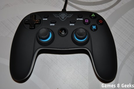 sog_manette_ps4_DSC_0166 Test de la manette PS4 Wired Gamepad de Spirit of Gamer