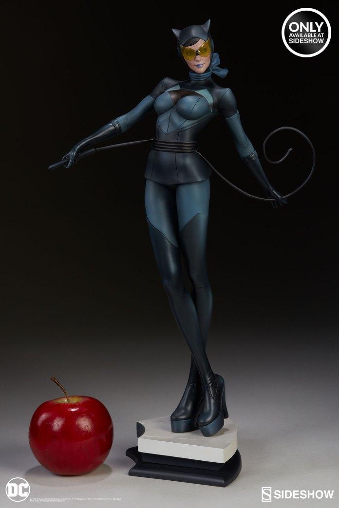 dc-comics-catwoman-statue-stanley-artgerm-lau-artist-series-200428-03 Figurines - Harley Quinn - Catwoman et Poison Ivy vues par Artgerm