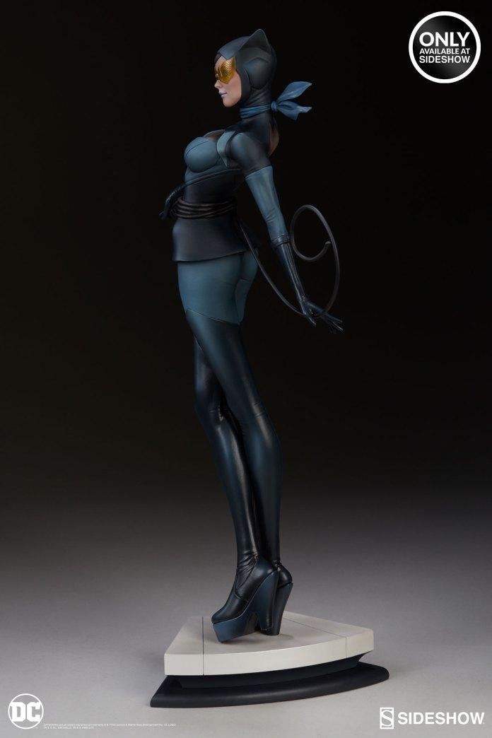 dc-comics-catwoman-statue-stanley-artgerm-lau-artist-series-200428-05 Figurines - Harley Quinn - Catwoman et Poison Ivy vues par Artgerm