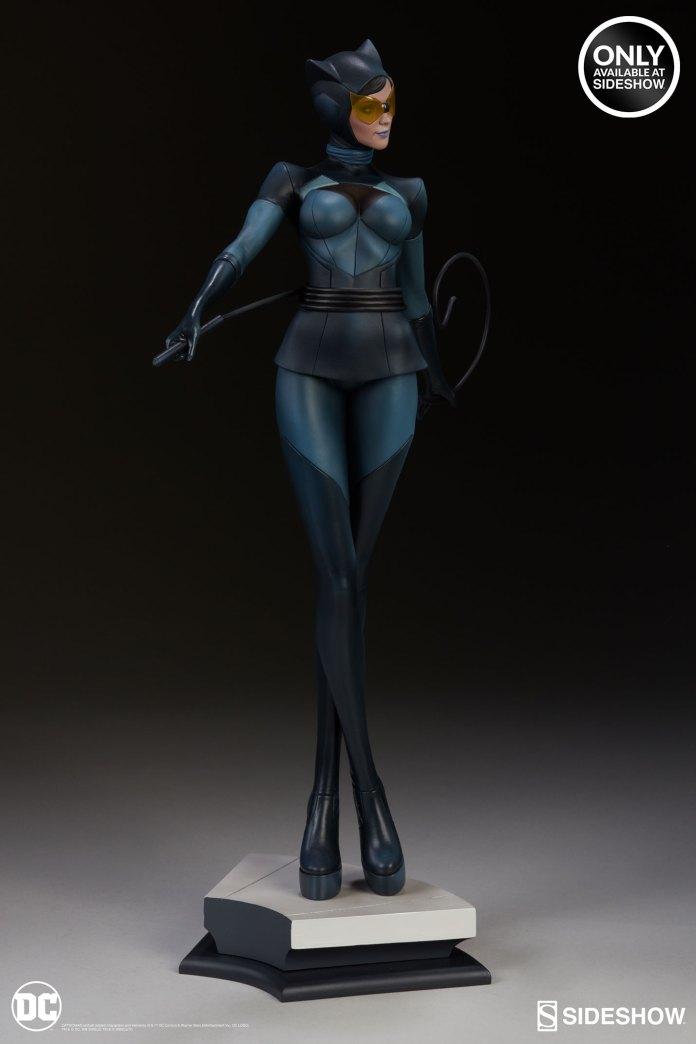 dc-comics-catwoman-statue-stanley-artgerm-lau-artist-series-200428-08 Figurines - Harley Quinn - Catwoman et Poison Ivy vues par Artgerm