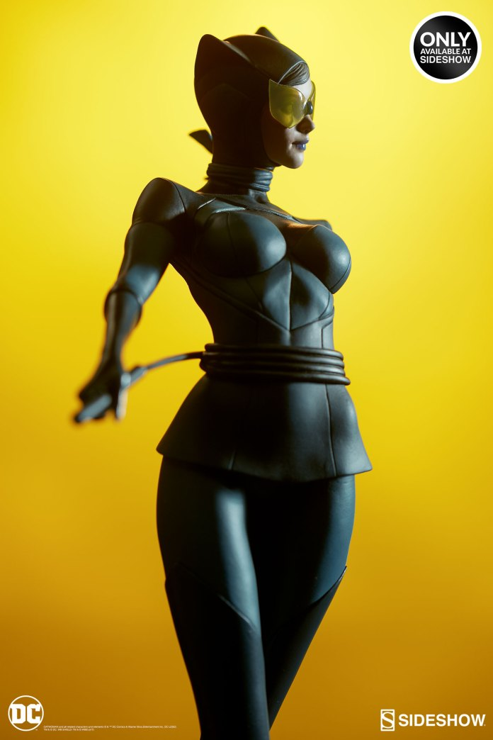 dc-comics-catwoman-statue-stanley-artgerm-lau-artist-series-200428-15 Figurines - Harley Quinn - Catwoman et Poison Ivy vues par Artgerm