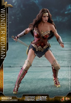 dc-comics-justice-league-wonder-woman-deluxe-sixth-scale-hot-toys-903121-03 Figurine - Wonder Woman Deluxe Version Sixth-Scale Figure