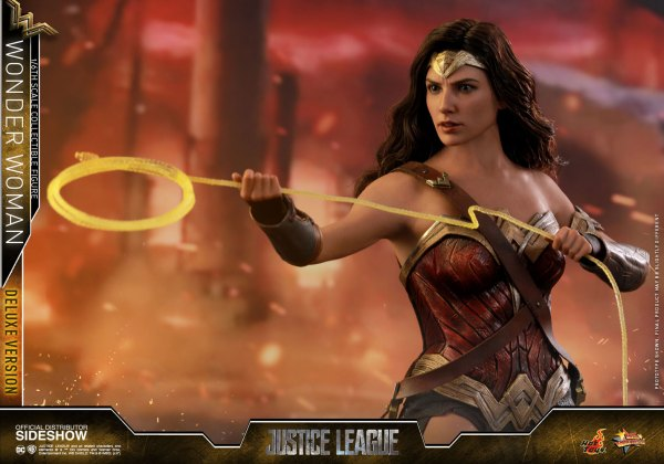 dc-comics-justice-league-wonder-woman-deluxe-sixth-scale-hot-toys-903121-12 Figurine - Wonder Woman Deluxe Version Sixth-Scale Figure