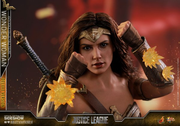 dc-comics-justice-league-wonder-woman-deluxe-sixth-scale-hot-toys-903121-20 Figurine - Wonder Woman Deluxe Version Sixth-Scale Figure