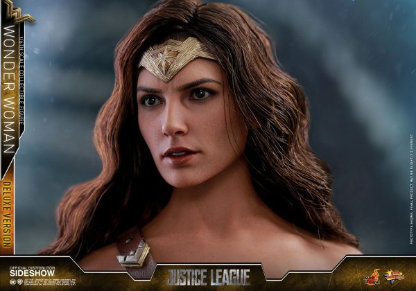 dc-comics-justice-league-wonder-woman-deluxe-sixth-scale-hot-toys-903121-22 Figurine - Wonder Woman Deluxe Version Sixth-Scale Figure
