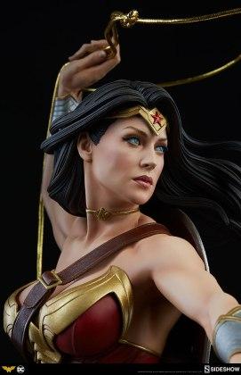 dc-comics-wonder-woman-premium-format-figure-sideshow-300664-15 Figurine - DC Comics Wonder Woman Premium Format