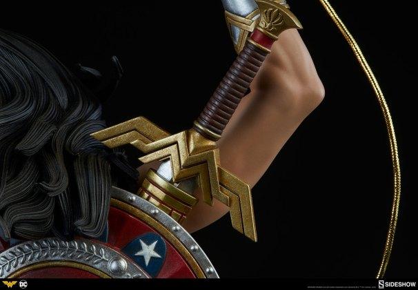 dc-comics-wonder-woman-premium-format-figure-sideshow-300664-18 Figurine - DC Comics Wonder Woman Premium Format