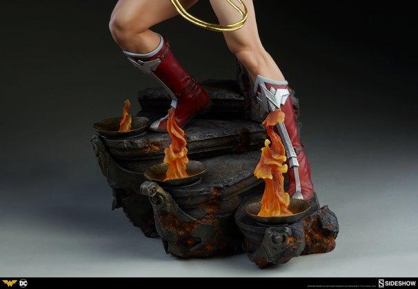 dc-comics-wonder-woman-premium-format-figure-sideshow-300664-25 Figurine - DC Comics Wonder Woman Premium Format