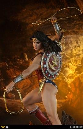 dc-comics-wonder-woman-premium-format-figure-sideshow-300664-30 Figurine - DC Comics Wonder Woman Premium Format